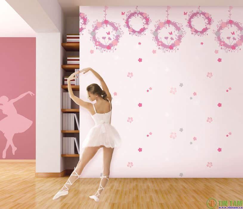Giấy dán tường trẻ em kid hình hello kitty doremon cho phòng bé gái