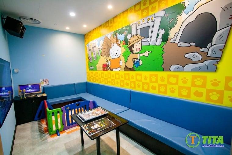 Trang trí tranh dán tường hoạt hình cho phòng bé cực nét
